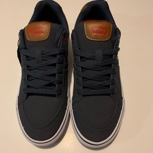 Levis Sneakers Sz: 9.5 New w/ Tags